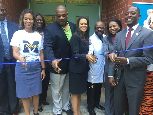 miles-ribbon-cutting-1