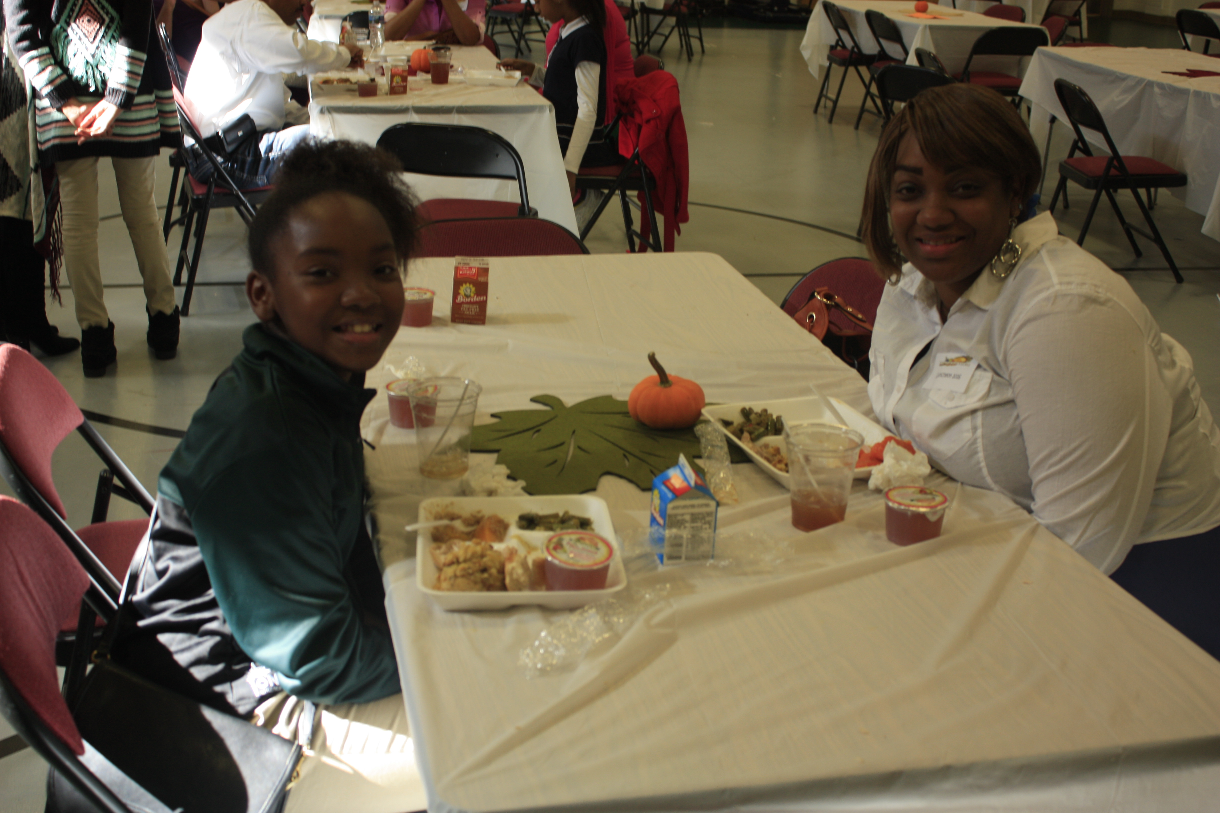 "APS Parents Have ""Thanksgiving Lunch"" with Students for ..."