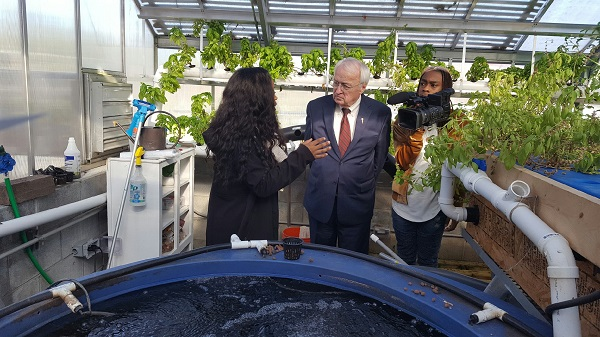 usda-under-sec-concannon-at-mays-hs-greenhouse-12-7-16