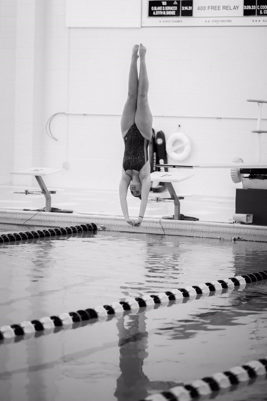 Farley Tranakos - NAHS Diving (2018) action